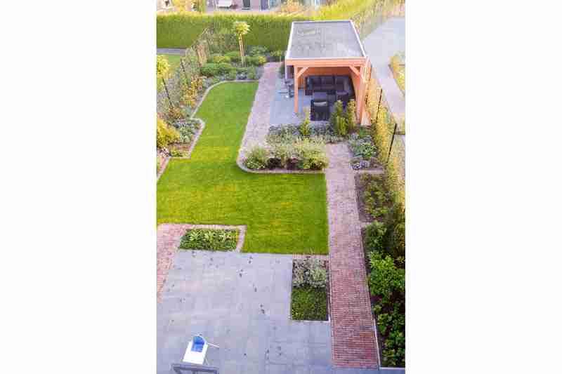 tuinontwerp-voorbeeld-voor-en-na-4b-apeldoorn-door-hovenier-bk-tuinen