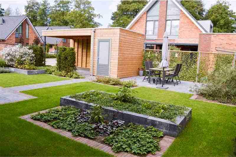 tuinontwerp-voorbeeld-voor-en-na-5b-apeldoorn-door-hovenier-bk-tuinen